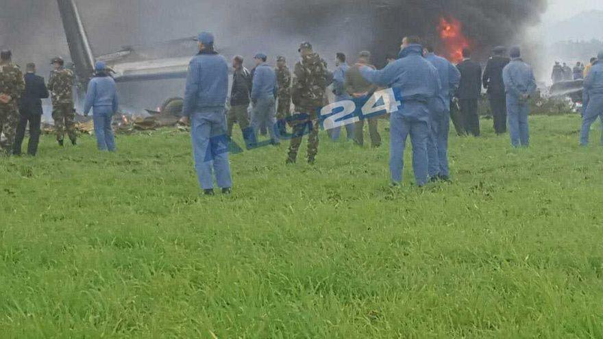 Több mint 250-en vesztették életüket, amikor lezuhant egy katonai repülőgép az algériai főváros, Algír közelében