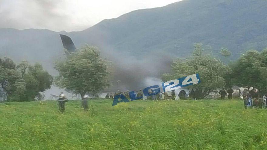 257 قتيلا في تحطم طائرة عسكرية بالقرب من مطار بوفاريك العسكري