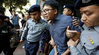 Les journalistes birmans de Reuters restent accusés