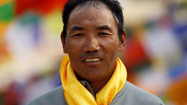Um 'sherpa' em busca do recorde de 22 subidas ao Evereste