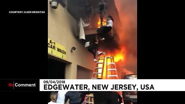 Saltar do primeiro andar para escapar das chamas