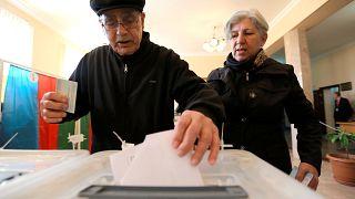 Alijew will noch mal: 5 Mio. Aserbaidschaner sollen Präsidenten wählen