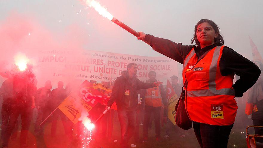 Профсоюзы рабочих во Франции против реформ Макрона