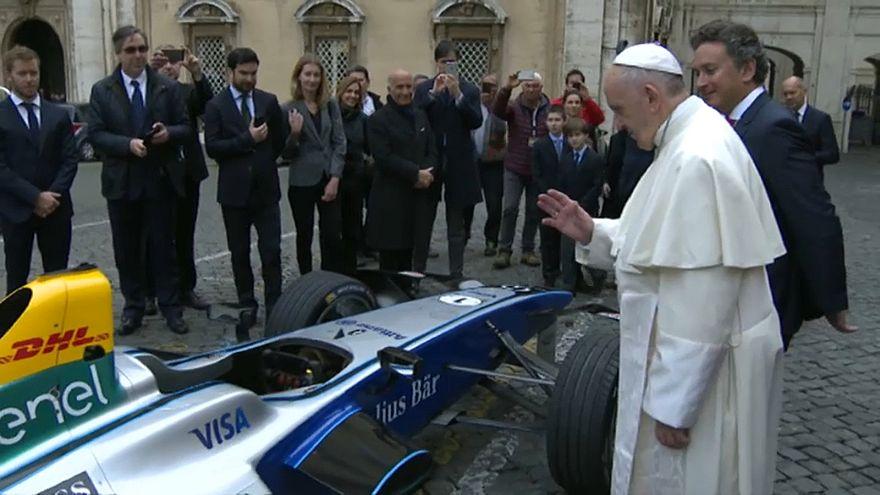 Vaticano: benedizione papale per la Formula E