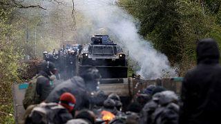 """ZAD : """"spirale de violence"""" après trois jours d'évacuation"""