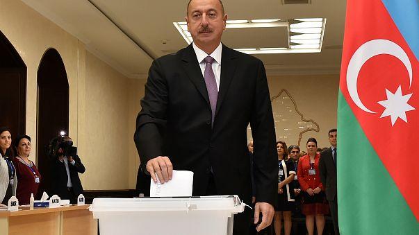 Azerbaycan'da sürpriz yok Aliyev 4. kez cumhurbaşkanı