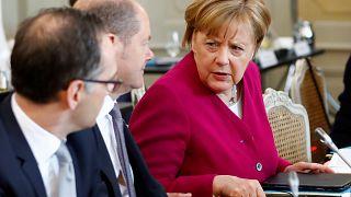 """Merkel sieht """"schwere Indizien"""" für Giftgasangriff durch Assad"""