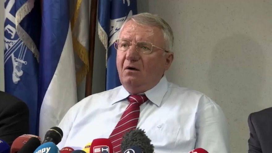 Vojislav Seselj es condenado en apelación a 10 años, pero no volverá a prisión