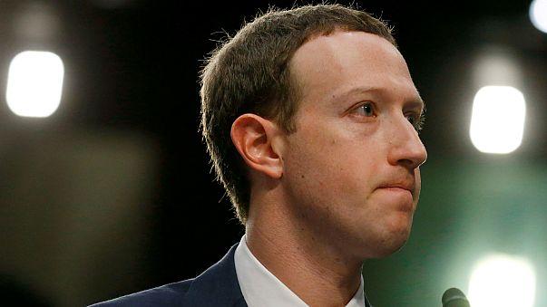 زوكربرغ يكشف أن بياناته الشخصية تعرضت للتسريب على فيسبوك
