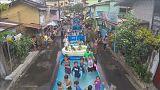 Filipinler'de sıcaklara karşı havuzlu önlem