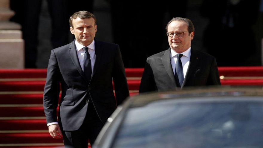 """هولاند يحذر ماكرون: """"الفرنسيون أعدموا ملكاً من قبل.. فتذكر"""""""