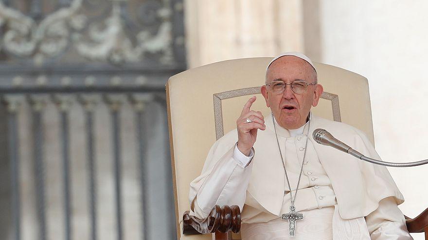 Папа римский признал ошибки в Чили