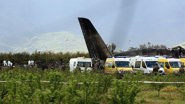 تفاصيل جديدة بشان حادث تحطم الطائرة الجزائرية