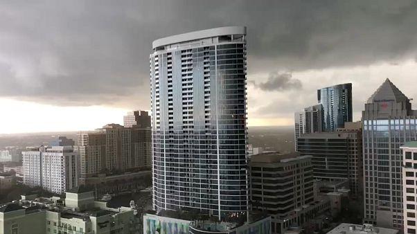 شاهد: إعصاران يضربان فورت لوديرديل في فلوريدا