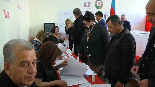 AGİT: Azerbaycan cumhurbaşkanlığı seçimi demokratik koşullarda yapılmadı