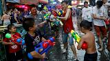 سال نو بوداییان در تایلند؛ آببازی در خیابانهای بانکوک