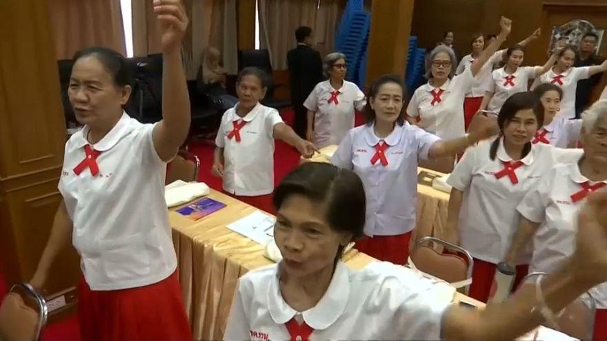 La vuelta al cole para los ancianos de Tailandia
