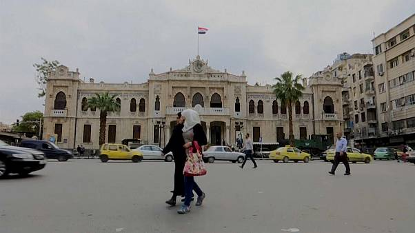 Saldırı tehdidi altındaki Şam'da hayat normal seyrinde