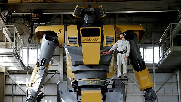 Óriási japán szuperrobot