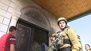 الشرطة الإسرائيلية تحقق في حادث إضرام النار بمسجد بالضفة الغربية