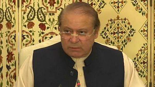 Pakistan'ın eski başbakanı Navaz Şerif'e siyasetten ömür boyu men