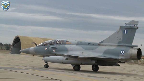Yunanistan: Ege'de düşen uçağın pilotunun ardından üç gün yas ilan edildi