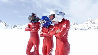 Video : à plus de 200 km/h... sur des skis!