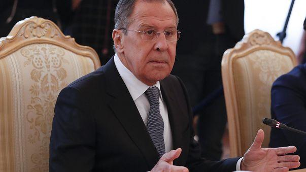 """Attaque chimique : une """"mise en scène"""", pour Lavrov"""