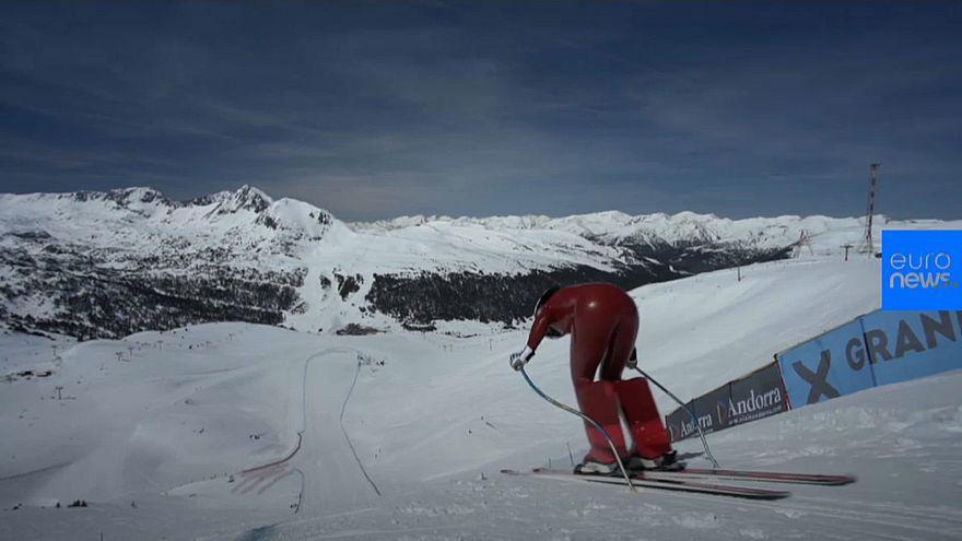 شاهد: أسرع متزلجين في العالم يهبطون المنحدرات بسرعة 200 كلم في الساعة