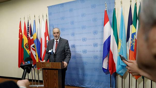 Bashar Jaafari, o embaixador russo na ONU, resiste à pressão do ocidente