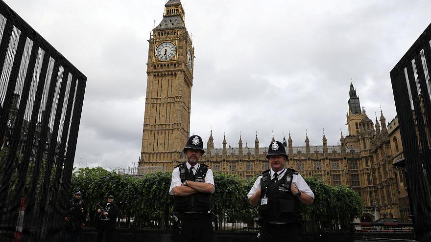 بريطانيا تعتقل رجلا للاشتباه بالتخطيط لأعمال إرهابية
