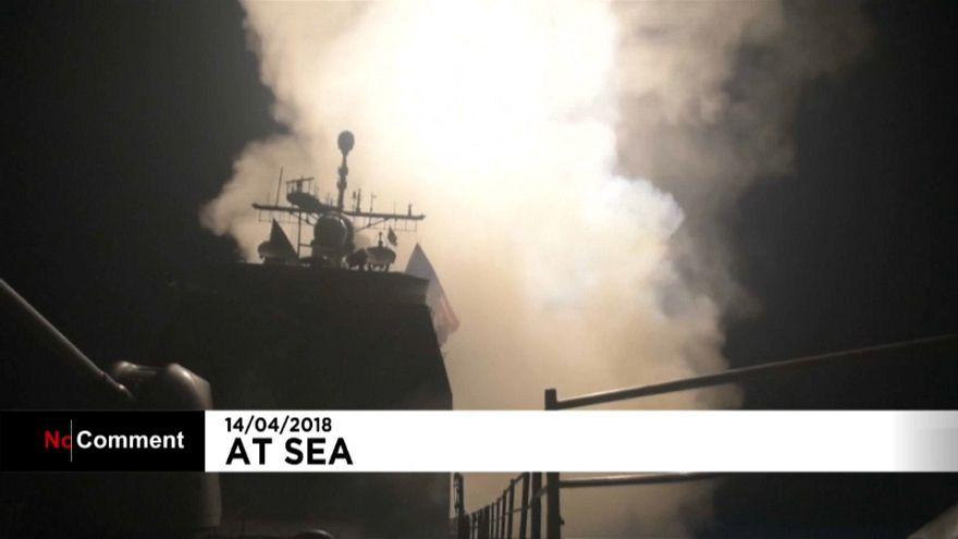 شاهد: الصواريخ الأمريكية وهي تنطلق من البحر الأبيض المتوسط إلى سوريا