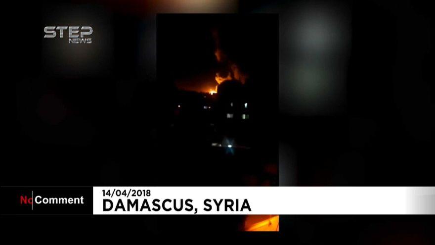 شاهد اللحظات الأولى للقصف الثلاثي على سوريا