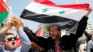 Syrie : manifestation pro-Assad après les frappes occidentales