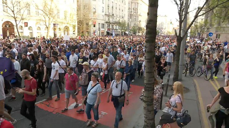 Ungheria: in piazza contro Orban