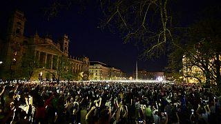 Több tízezren tüntettek Budapesten