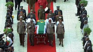 Winnie Madikizela-Mandela beigesetzt