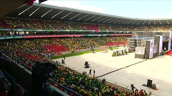 Sudáfrica da su último adiós a Winnie Mandela