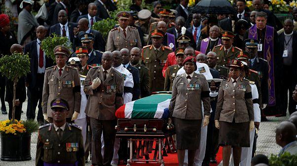 Winnie Mandela, l'hommage de la nation