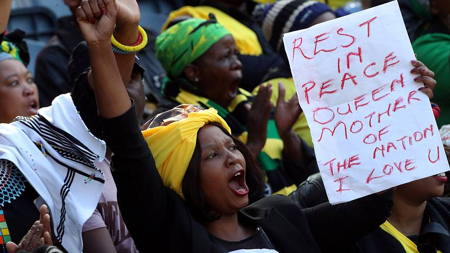 Ν. Αφρική: Κηδεύτηκε η Γουίνι Μαντέλα