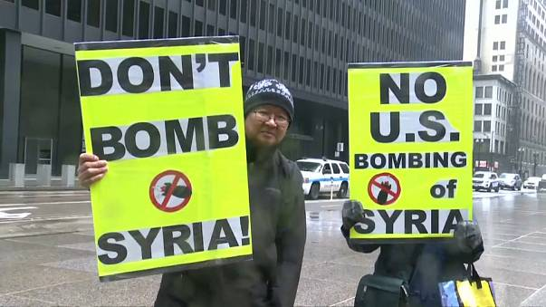 Críticas y apoyos a la intervención militar en Siria