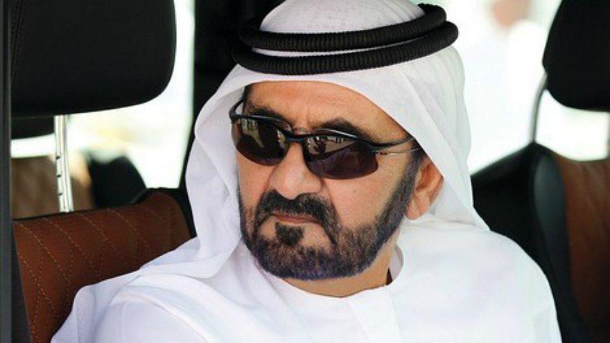 """محمد بن راشد يتجوّل في """"الظهران مول"""" قبيل بدء أعمال القمة العربية"""
