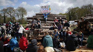Zavargásba fordult tüntetések Franciaországban