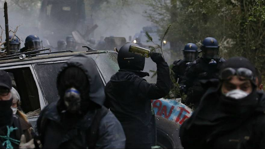 فرانسه؛ «زدیستها» و حامیانشان با پلیس درگیر شدند