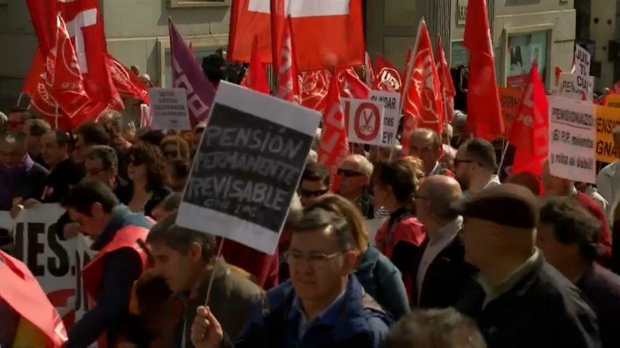 Los pensionistas siguen en pie de guerra en España