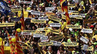 مظاهرة حاشدة للكتالونيين في برشلونة تطالب بالإفراج عن قادة انفصاليين
