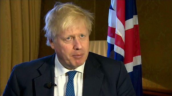 Boris Johnson defende ataque à Síria