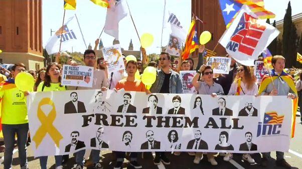 315 mil exigem em Barcelona liberdade para os independentistas catalães detidos
