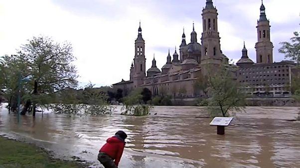 La cuenca del Ebro en alerta por las crecidas