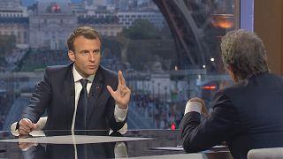 """Macron justifie des frappes """"légitimes"""" et """"réussies"""""""